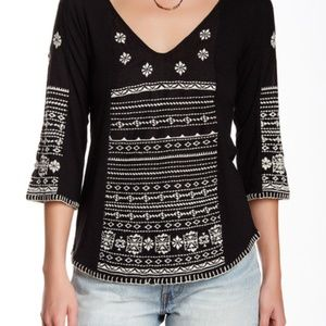 Lucky Brand Embroidered 3/4 Sleeve V-neck Top